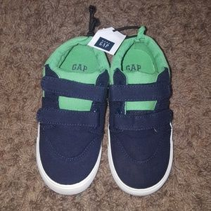 GAP Navy and Green Shoes